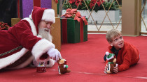 Heroic Santa gets a Boy with Autism and Goes the Extra Mile to Warms Everyones Hearts