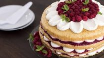 Irresistible Raspberry Vanilla Cake Recipe